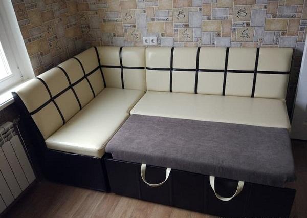 Каких размеров выбирать диван для кухни