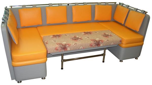 п образный диван на кухне фото