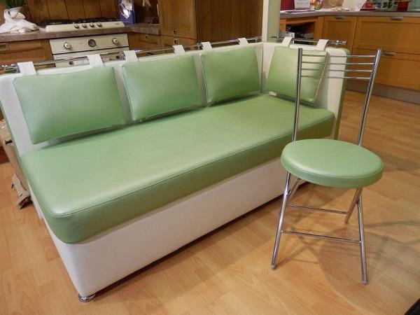 диван без спинки на кухне фото