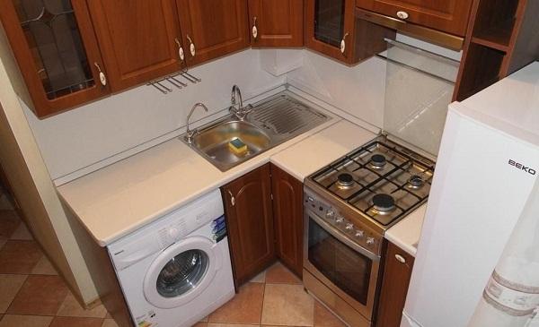как разместить мойку на кухне в хрущевке