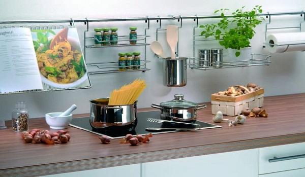 Использование рейлинга на кухне