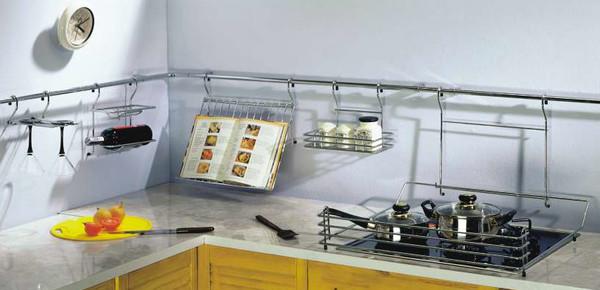 Идеи использования рейлингов на кухне