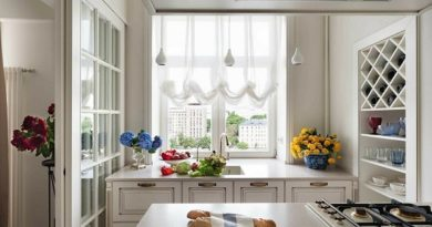 Подоконник на кухне: как обустроить красиво и практично