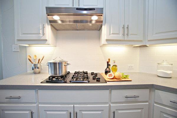 оформление рабочей зоны на кухне фартук