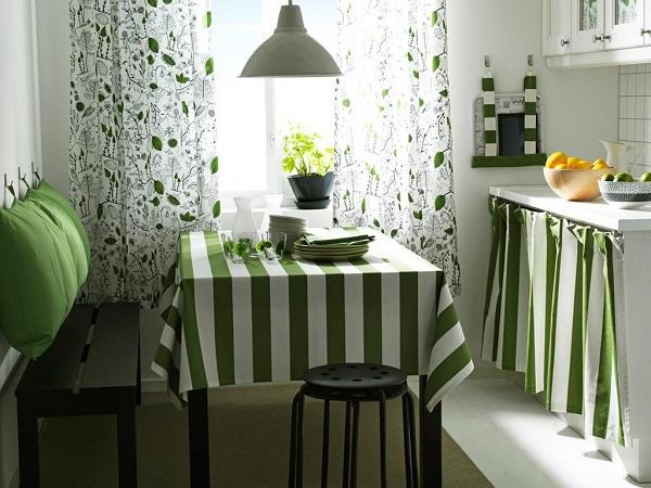 Зачем нужны шторы на кухне
