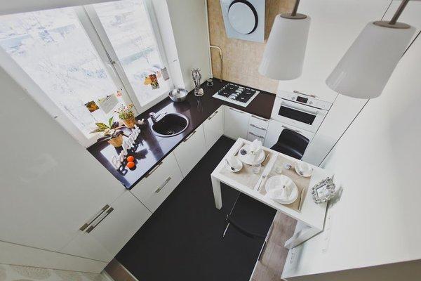 рабочая зона на маленькой кухне фото
