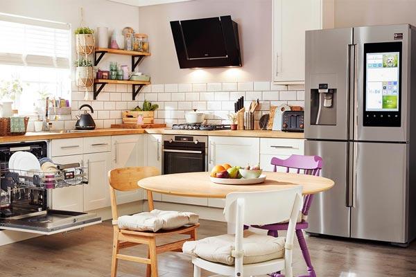 Дизайн интерьера кухни с бытовой техникой