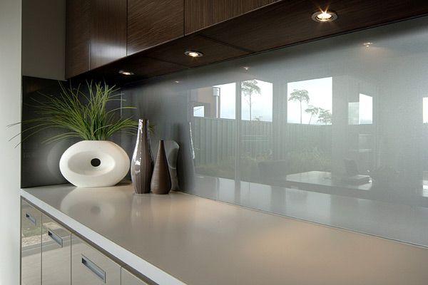 Фартук из каленого стекла для кухни