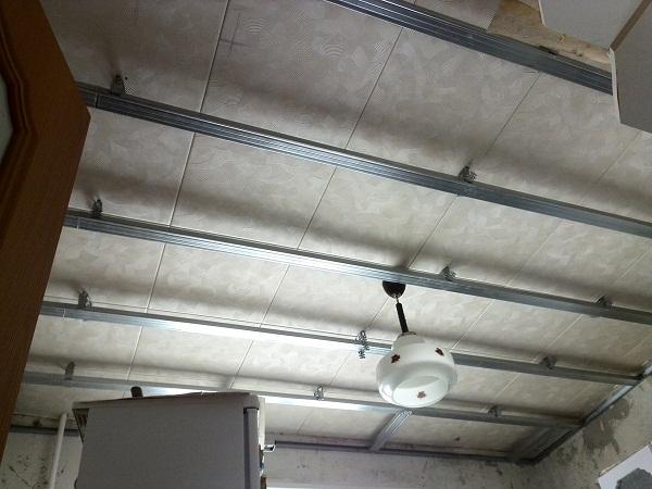 алюминиевые направляющие под пластиковый потолок