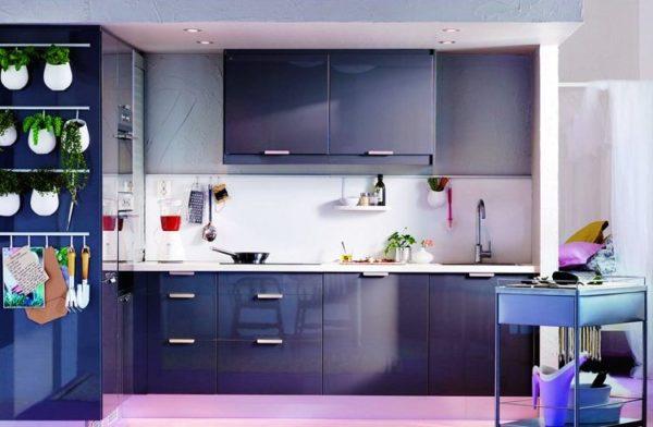 Синий цвет в дизайне кухне