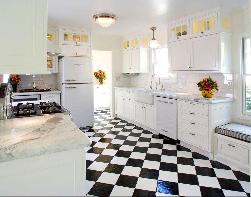 Черно- белая кухня