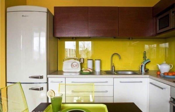 Желтые оттенки на кухне