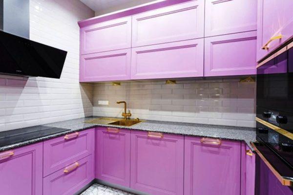 Маленькая кухня в совренменом дизайне 2