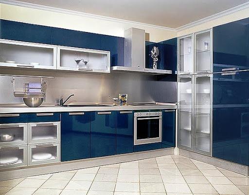 Дизайн кухни с стеклом