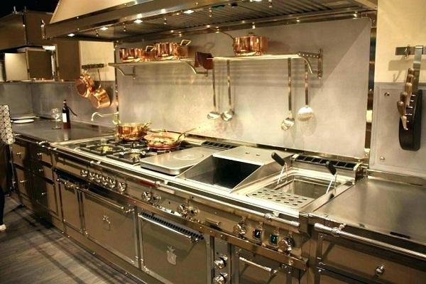 три вида металла на кухне