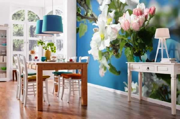 Фотообои с цветами на кухне