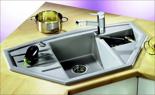 Мойка — один из самых важных агрегатов на кухне