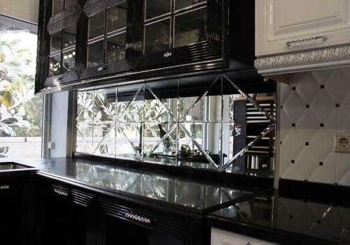 Скинали для кухни из зеркала
