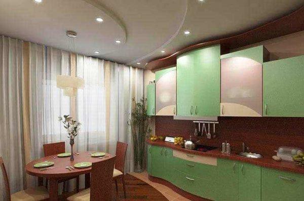 Гипсокартоновый патолок на кухне