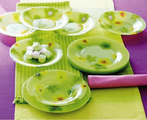 Тарелки из стекла не реагируют на резкую смену температуры, поэтому в них можно подавать как горячую, так и холодную пищу