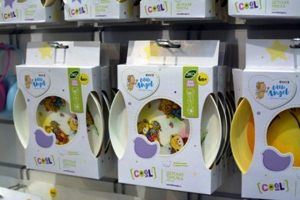 Покупать детскую посуду лучше всего в аптеках или специализированных магазинах