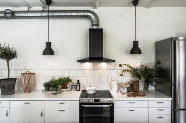 Металл в интнерьере кухни