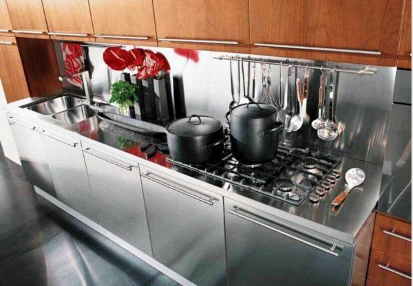 Кухня из стали