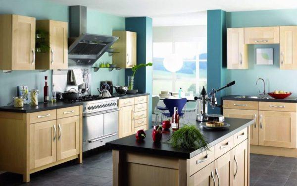 Окрашивание стен кухни