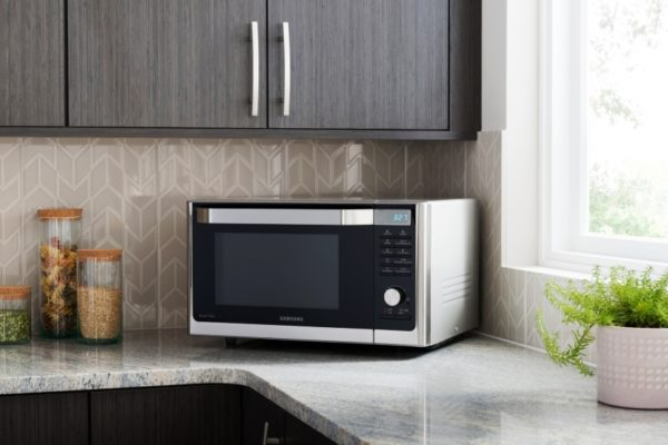 Розетки для микроволновки на кухне